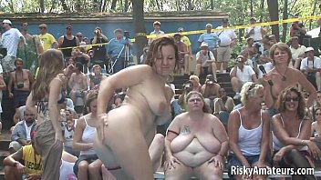 Amateurs in public - Naughty amateurs getting wet on the stage