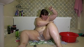 Shave your hairy pussy and the rest of your body. Beautiful BBW with big booty shaves in the bathroom. Homemade fetish.