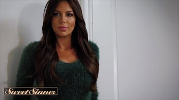 Stunning Babe With Big Tits (Jaclyn Taylor) Seduces Muscular Man To Fuck Her Hard - Sweet Sinner