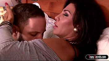 Big tits ts Jacquelin Braxton does a 69er and anal ride dick