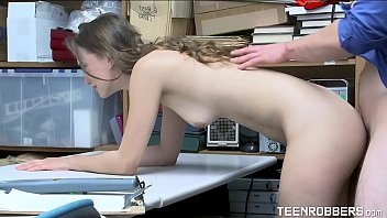 Daring Thief is Punished in The Store - Teenrobbers.com
