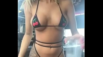 Busty barista photos Baby girl barista dkr