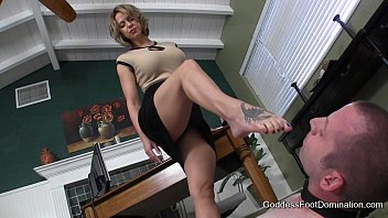Pleasure beachs - Office footbitch milking