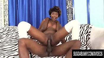 Vixen sex position - Hot ebony vixen daizy cooper devotes her mouth and cunt to a big black cock