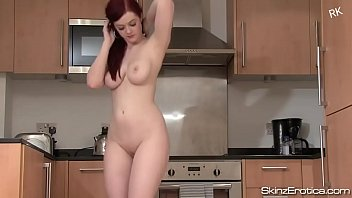 Naked nude redhead girl - Sexy naked dance on indian bollywood song roop tera mastana