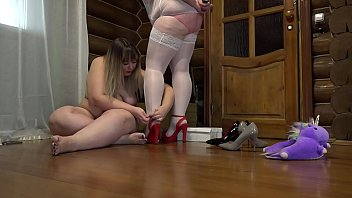 Fat lesbian with a strapon fucked a busty milf doggystyle. Foot fetish in stockings, saggy tits and juicy booty.