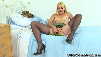 English milf Mouse does perverted things with cucumbers