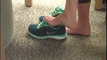 Cams4free.net - Candid Brunette Feet in College Library