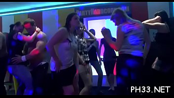 Free stripping porn pics Sex party pic