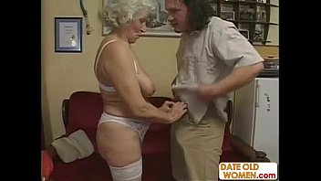 Old Romanian Woman Making Porn Movies With An Unwashed Man