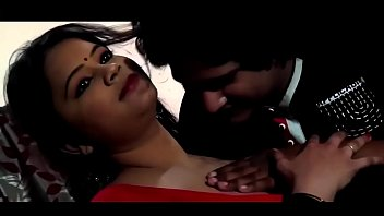 Hot Aunty Romancing with Driver Boy | Hot Indian Sexy Aunty | Hot Indian Desi Mallu Masala Hit