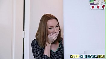 Redheaded teen stepsisters in threesome