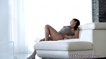 Glam beauty banged and gets jizz in mouth