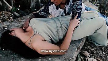 Desi Slut Gets Fucked In Jungle