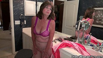 Xxx grannies - American grannies ava and penny having bathroom fun