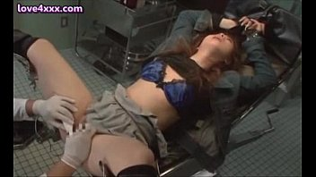 Shy asian teenie gets cunt fingered and toyed