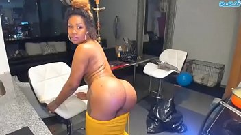 jamaicatreat ebony ass shaking