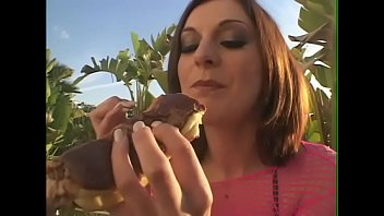 Curious babe Renee Pornero learnt special recipe of chocolate crempie and decided to cook it