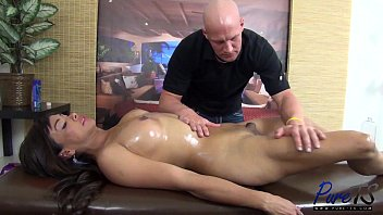 "Bareback Anal Sex with Vaniity <span class=""duration"">11 min</span>"