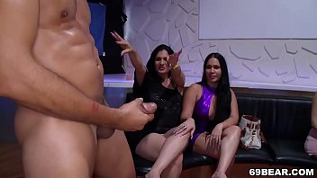 CFNM Blowjob Party With Huge Cock