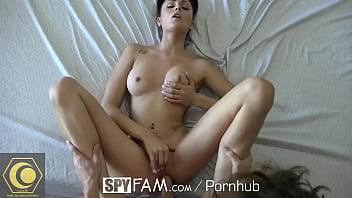 Step sister Ariana Marie gets curious about step brother cock - More on Ceer.fr