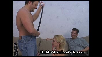 penes pequeños xxx: Hubby watches wife get banged thumbnail