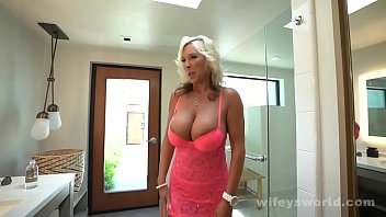 Stunning MILF In Heels Gets Drilled Happily Eats Cum Shot