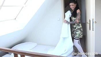GYPSY WHORE FUCKED IN LABOR TIME