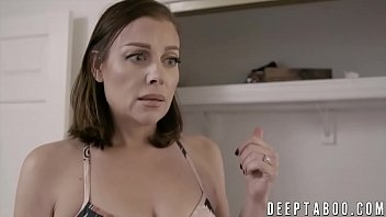 Taboo son Tyler Nixon uses stepmom Sovereign Syre and cums