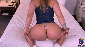 Cheating MILF goes for a quicky in hotel after night shift