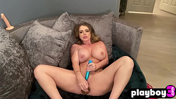 Naughty big ass MILF Sophie Dee played with big dildo after passion posing