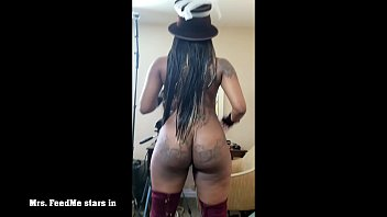Victorian redhead - Mrs. feedme stars in victorian booty bounce