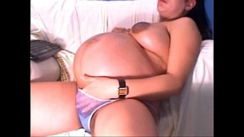 huge pregnant latina with big areolas - PregnantHorny.com