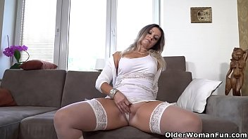 Euro gilf Ellis Shine daydreams about cocks and masturbates