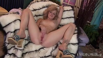 Feather Haired Ally Ann Super Bates Her Wet Wonderful Pussy!