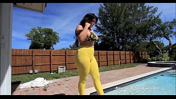 Angelina Castro Outdoors pussy pounding!