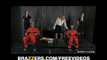 Two d. row inmates get one last threesome with Krissy Lynn 7分钟
