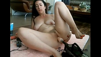 Tight Brunette Trying Her New Fucking Machine - sexiecams.com