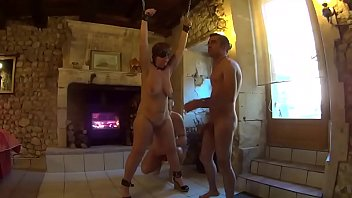 Old pig sluts Suzisoumise hung for the use of two men