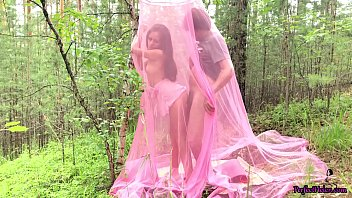 Babe Blowjob Dick and Doggystyle Outdoor in the Tent