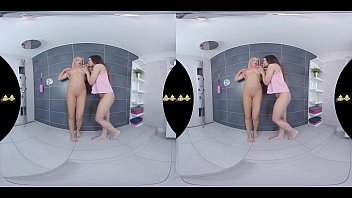 Virtualpee - Piss drinking lesbians get soaked in shower room