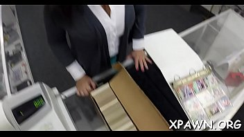 Reality chick does oral sex pleasure