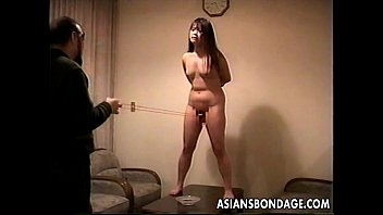 Loud ass Asian slut getting slapped and is tied up 8分钟