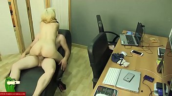 Good porn for couples - A good pussy food for the blonde adr0077