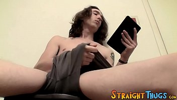 Straight guy watches twink porn while jacking off alone