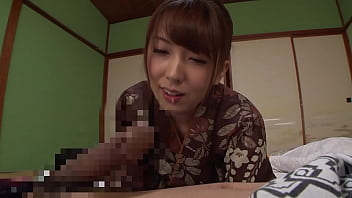 A serious woman working at a hot spring inn who happened to see a big dick that I have never seen before can not suppress the excitement ... Part 1
