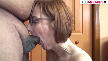 She really wanted to work and now his cock is in her mouth.