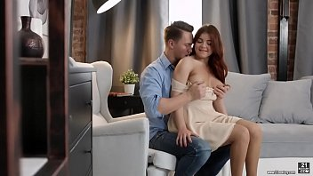 Cutie Renata Fox gives a blowjob - Tryporns.com