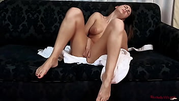 Streaming Video Hot Cutie Fingering Pussy to Squirt and Cums Powerfully - XLXX.video
