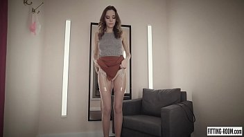 Super beauty Clover wearing sexy stockings fucks her tight pussy thumbnail